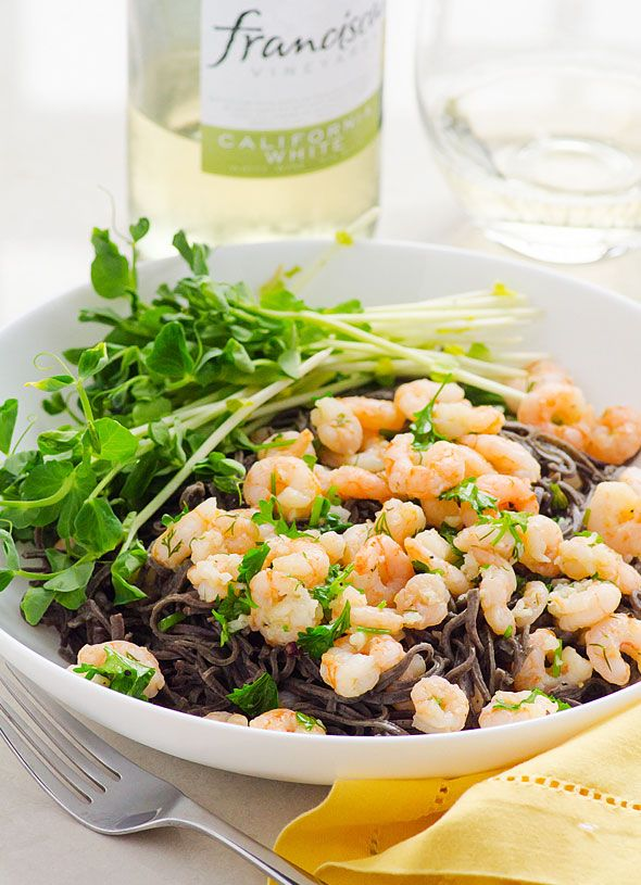 Clean Eating Garlic Shrimp with Black Bean Noodles -- 10 minute low carb, high in protein and fiber dinner. This gluten free pasta tastes super good!!!