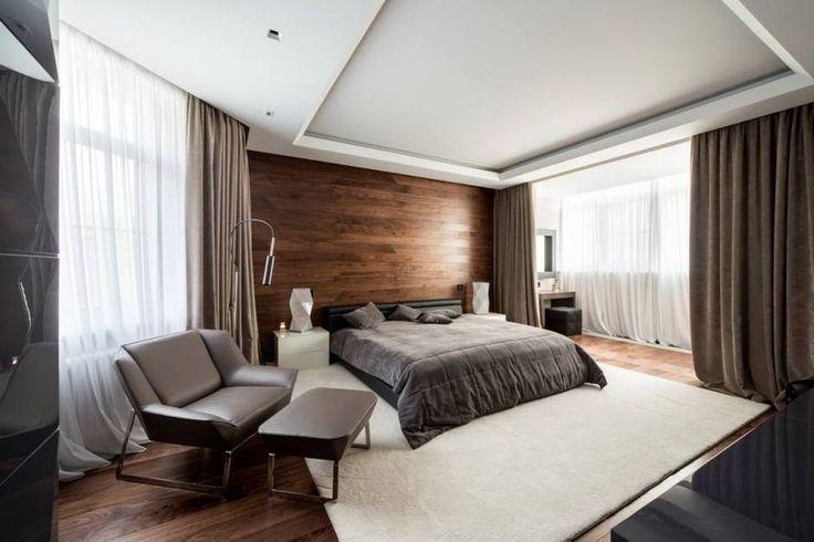 Modern hálószoba faburkolatokkal