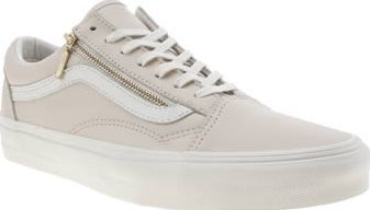 Vans Pale Pink Old Skool Zip Womens Trainers The Old Skool Zip Leather is a girly twist on a timeless classic from Vans. The legendary lace up arrives in pale pink leather featuring a gold zip fastening at the side for a premium feel. A vulcanis http://www.comparestoreprices.co.uk/january-2017-8/vans-pale-pink-old-skool-zip-womens-trainers.asp