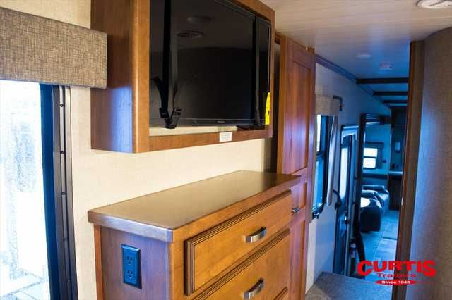 2016 New Heartland Rv Bighorn 3010RE Fifth Wheel in Oregon OR.Recreational Vehicle, rv, 2016 Heartland RV Bighorn 3010RE, Accessories: KING OF THE MOUNTAIN PKG,BIGHORN PREMIER PACKAGE,1 1/4 ACCESSORY RECEIVER,POWER CORD REEL,6 PT AUTO LEVELING LEVEL UP SYSTEM,IVORY COLORED SIDEWALSS W/CHOCOLATE FRONT & REAR CAPS,32 BEDROOM TV,CONVECTION MICROWAVE,PROGRAMABLE COMBINATION SAFE,DELUXE COFFERED CEILING,ELECTRIC FIREPLACE,WINTERIZATION,STATE SEAL - OREGON,RVIA GO CAMPING SEAL,,
