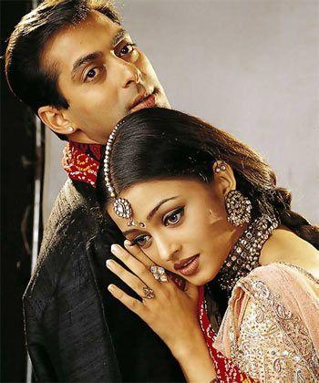 """Salman Khan and Aishwarya Rai in the movie """"Hum dil de chuke sanam""""."""