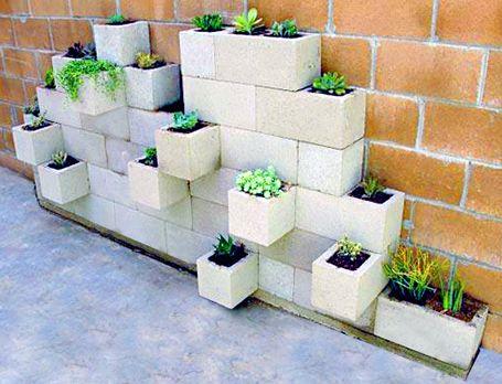 Mattoni per giardino for Decorazioni in ferro per giardino