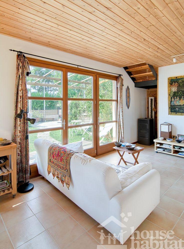 Salón casa ecológica.