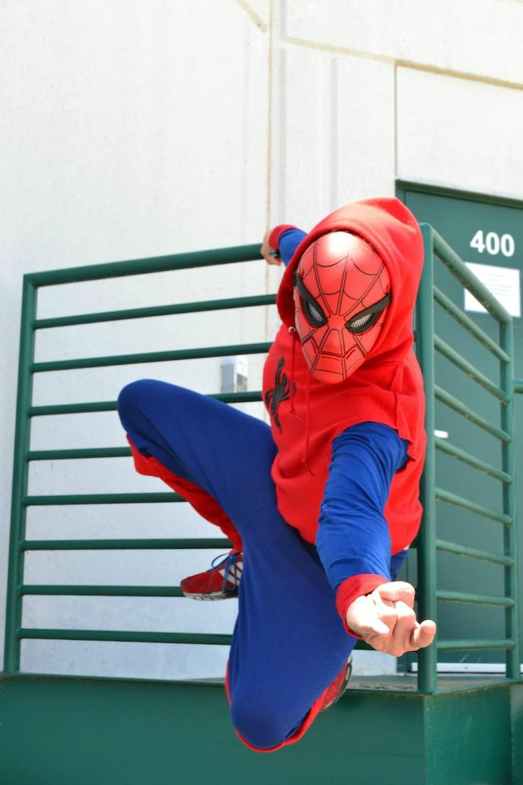 DIY - Spiderman Costume! Easy to make for Hallowee…
