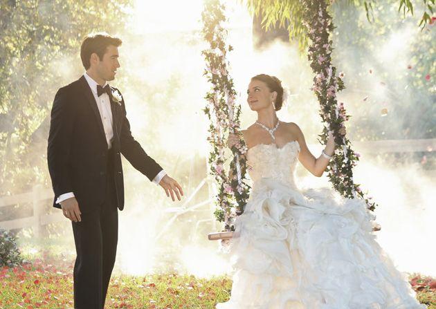 Brides: The Revenge Wedding Finally Happened! Let's Discuss Emily Thorne's Gorgeous Dress