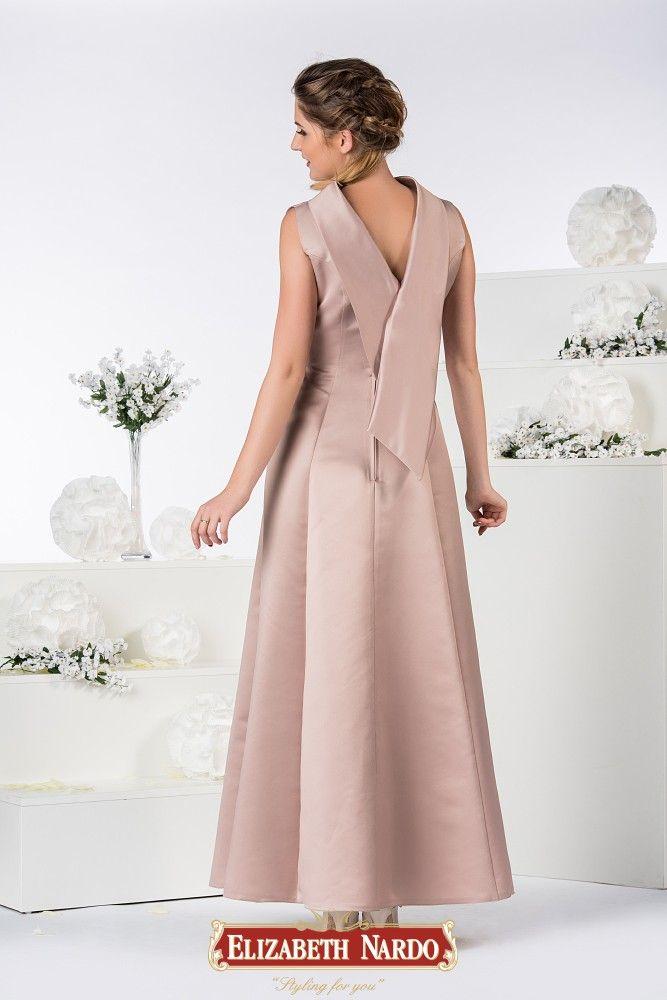 778c80de44 19-336 Mályvaszínű, különleges szabású hosszú düsszes ruha, A-vonalú  szoknyával, elegáns magasított nyakrésszel