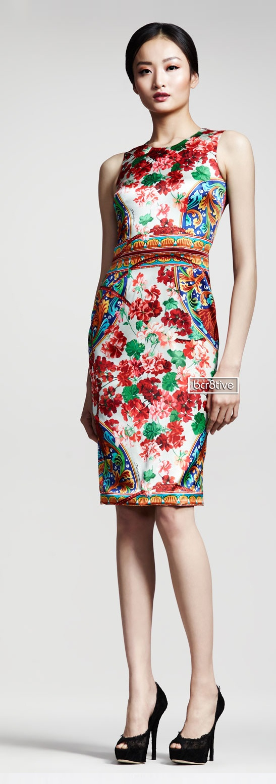 Power Dress | Dress For Work | Businesswoman | Entrepreneur | Classic | Feminine | Confident | Stylish | Chic