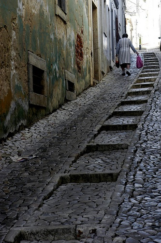 Cobbled backstreets of Tavira, Portugal: I think my heart just skipped a beat. #ridecolorfully