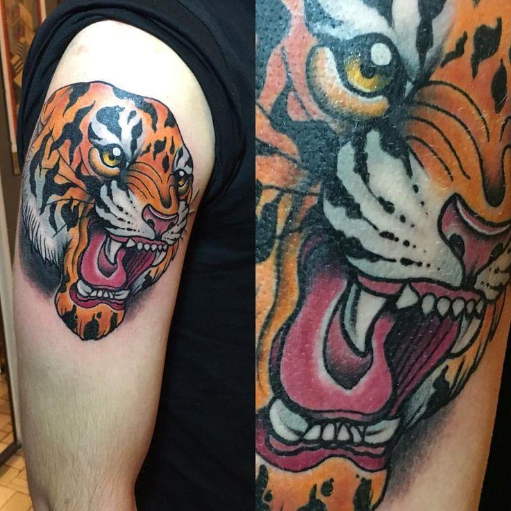 Stefano-Bonura-Tattoo-Tigre-spalla-Ligera-Ink-Studio-Tattoo-Milano-tatuaggio-tradizionale-New-traditional-tattoo
