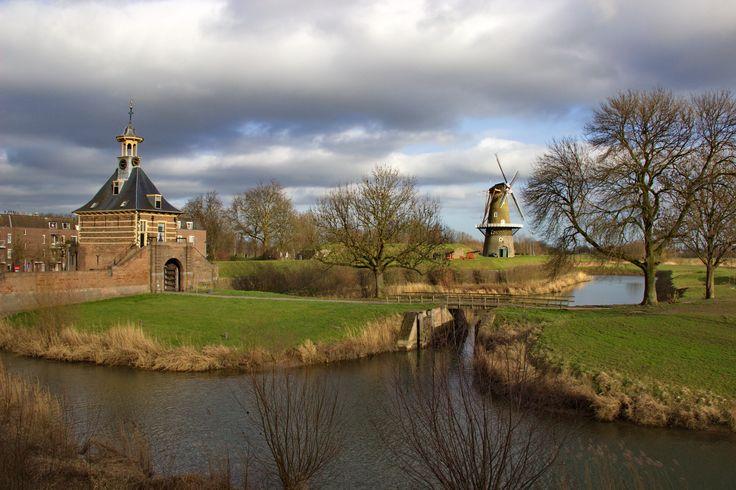 Windmolen bij de vestingwerken en Dalemse Poort in Gorinchem