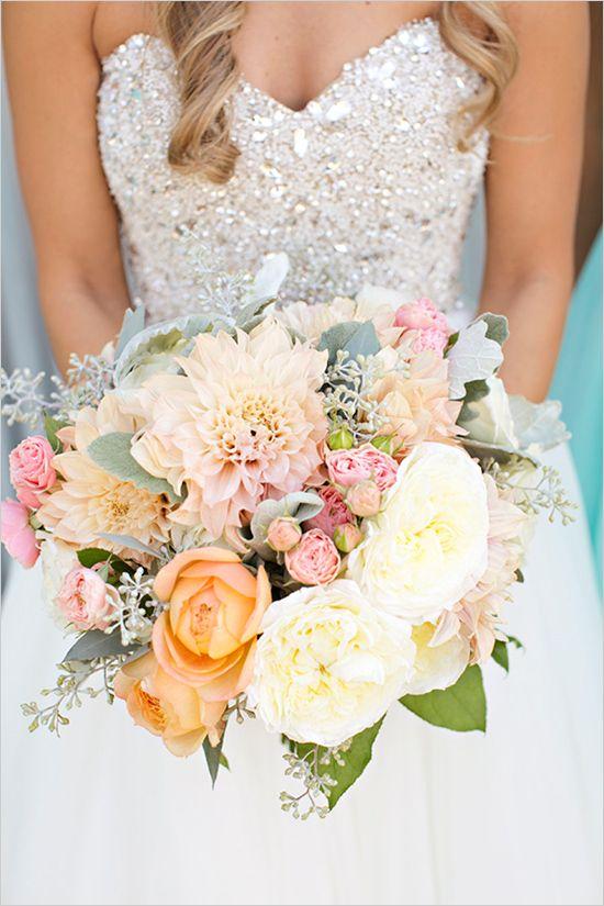 Warm bright and beautiful bouquet @weddingchicks
