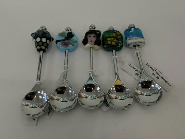 Spoons with flamework beads