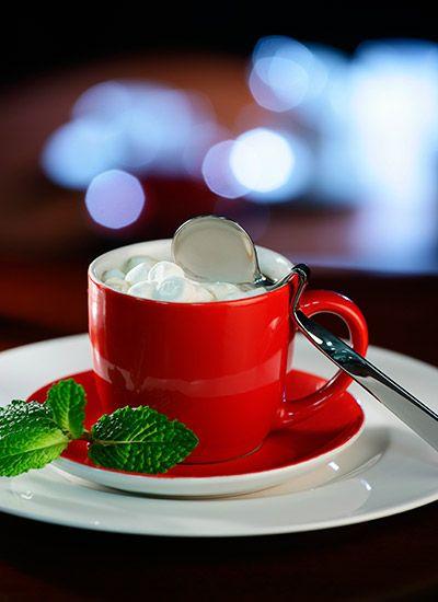 Sorpresa Café  Esta es una bebida deliciosa y reconfortante que mezcla la intensidad del café con el sabor dulce de la miel de abejas. Sírvalo en una tarde fría y acompañe con galletas de mantequilla.