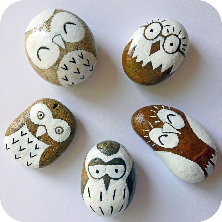 Роспись по камню — вид творчества, который мне знаком достаточно мало. Удивительно, сколько разных необыкновенных сов можно изобразить не небольших камешках! Певые две части подборки работ с совами: 1 и 2.…