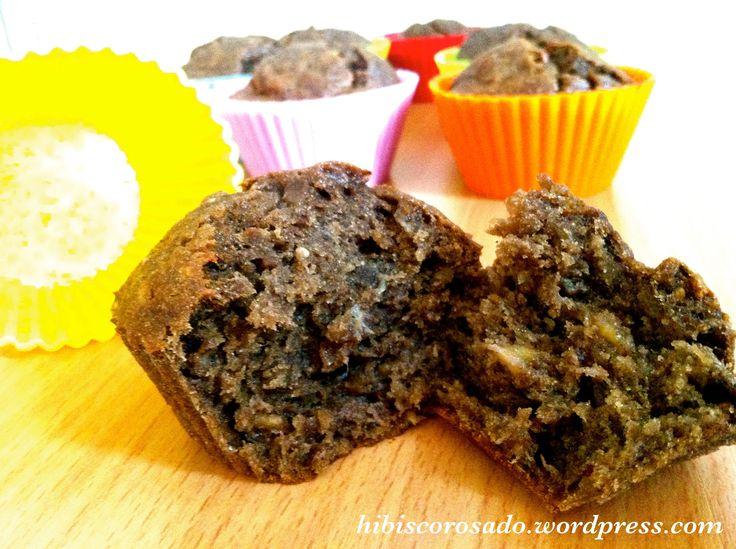 Muffins banane caroube et graines de pavot {vegan et sans gluten}  Caroube, poppy seeds and banana muffins {#vegan and #glutenfree}  Http://hibiscorosado.wordpress.com