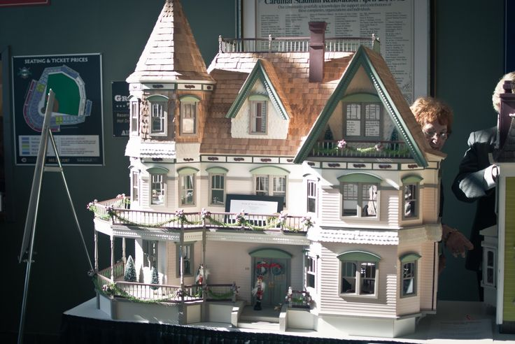 Big Doll Houses for Sale | ... doll houses for sale. Check out the price tag on the big one