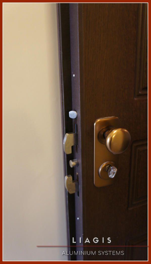 Πόρτα Ασφαλείας με επένδυση καπλαμά Διπλής Θωράκισης με έμβολα 15 Σημείων Κλειδώματος, Κλειδαριά δαγκάνας Tech, Αφαλός ISEO R6, Σύστημα μπλοκαρίσματος σε προσπάθεια διάρρηξης