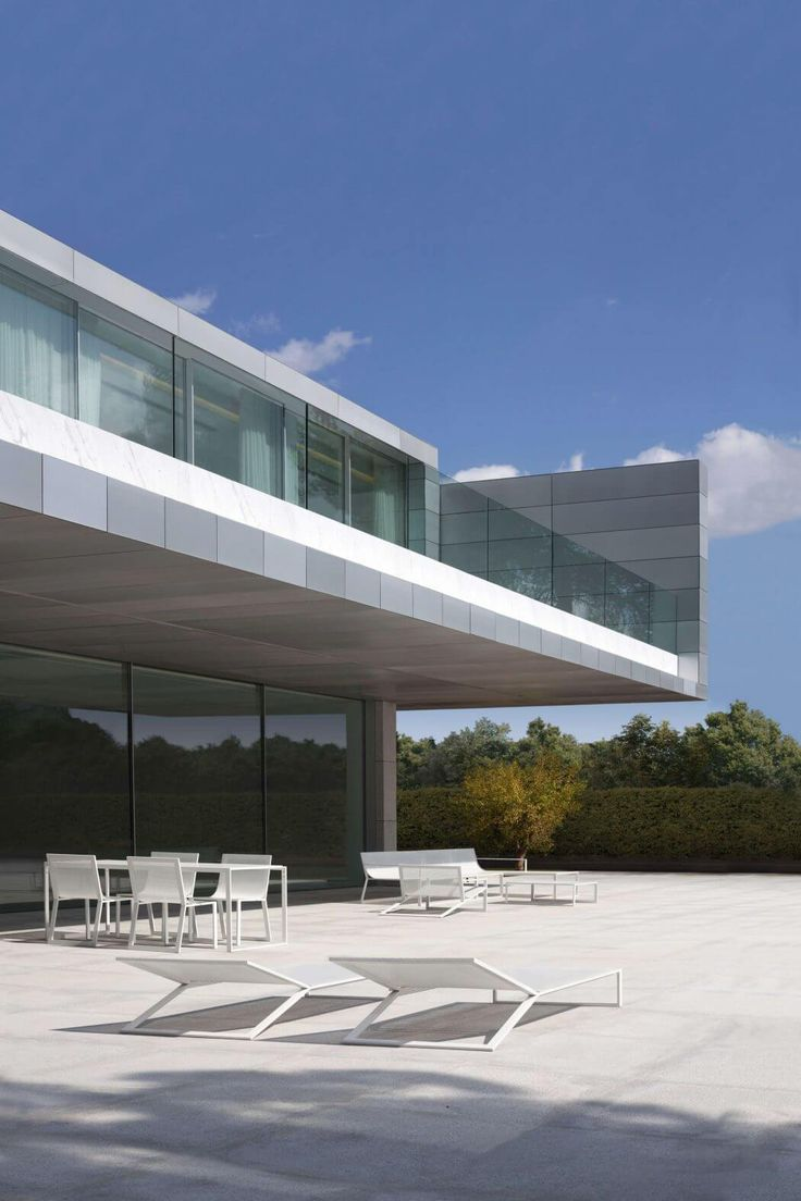 Aluminum House by Fran Silvestre Arquitectos | HomeAdore
