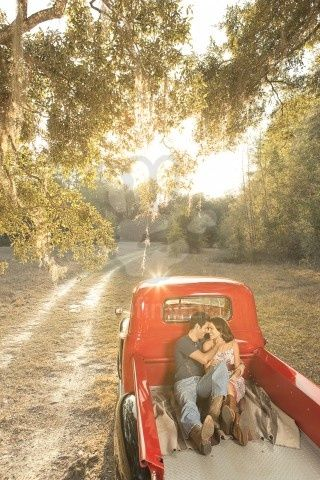 <3: Engagement Pictures, Pickup Trucks, Country Roads, Country Boys, Engagement Photos, Old Trucks, Vintage Trucks, Engagement Shots, Engagement Pics