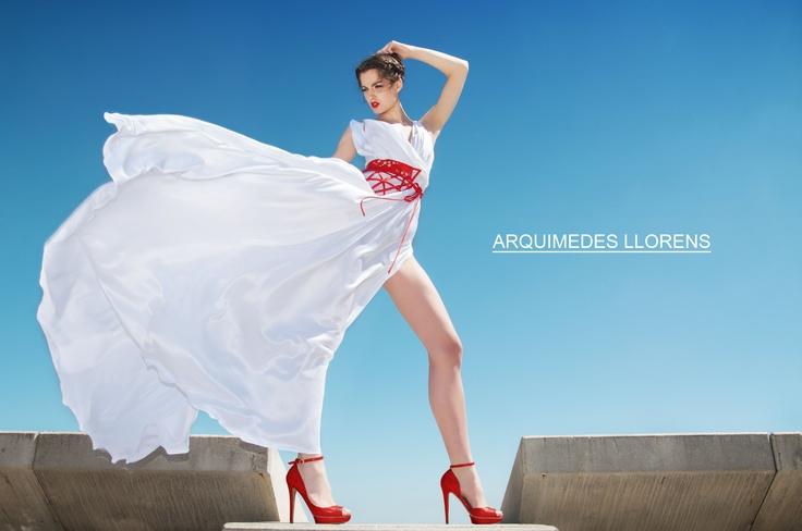 Photo: Daniel Murga Model: Alicia Baz (MaTz Models Agent) MUA: Arquimedes Llorens & Beatriz Blanco (Sisley & Bourjois) Hair: Mari Esteso (Franck Provost CC Magic Badalona, Spain) Manicure: Verónica Fernández Montiel (essie)