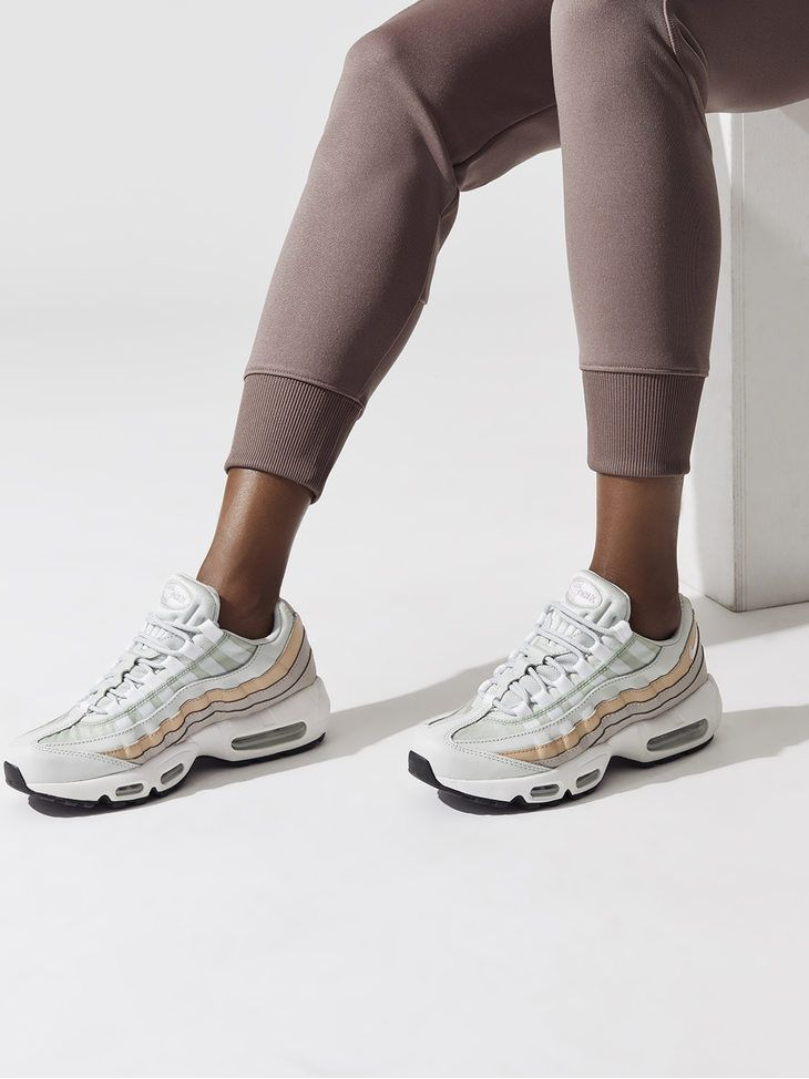 209e4272cc1fc NIKE Wmns Air Max 95 Lt silver White-moon particle-particle beige SNEAKERS