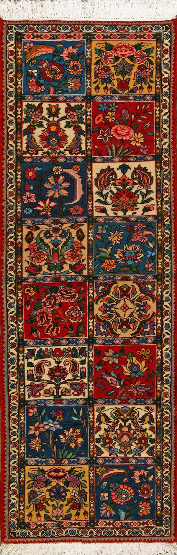 Bakhtiari Persian Rug with heavy work to add a Royal touch to your home decor