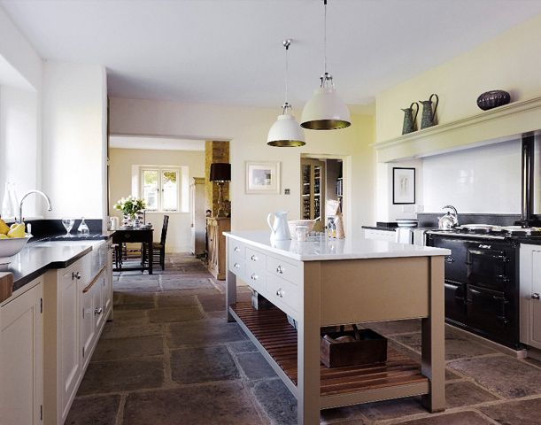 Country Vicarage - Handmade Kitchens | Traditional Kitchens | Bespoke Kitchens | Painted Kitchens | Classic Kitchens