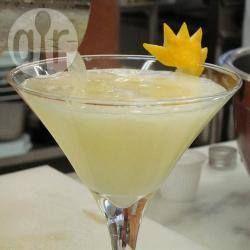 Foto da receita: Caipirinha especial com limão-siciliano
