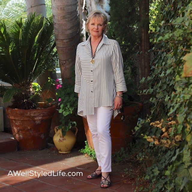 Women Over 50 in Black and White: Style Sweet Spot