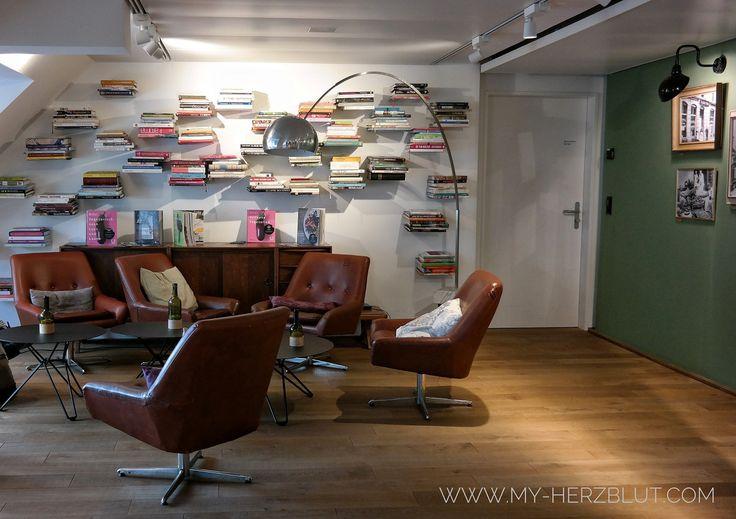 Lounge im Küchenatelier von Hiltl Zürich.