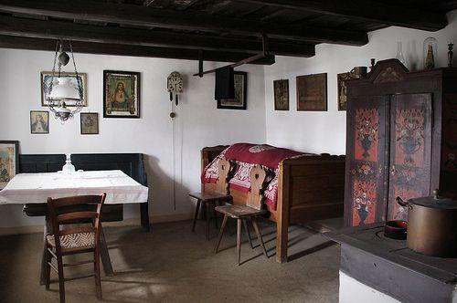 Szentendre - Szabadtéri Néprajzi Múzeum - House from Und by Kotomi_, via Flickr