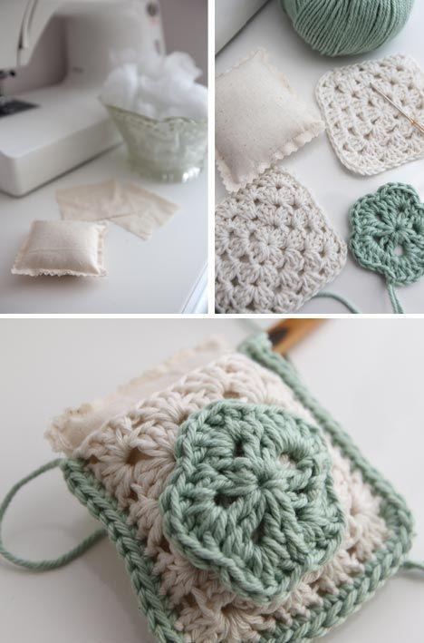 Crochet  Granny Square Pincushion - Tutorial ❥ 4U // hf