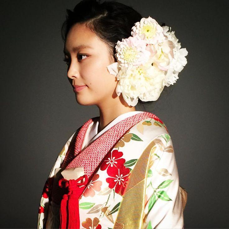 @25answedding の連載撮影。 モデルは @_yiran 毎号ハツコエンドウの花嫁着物をご紹介しています。ぜひぜひご覧下さい! #wedding #weddingdress #kimono #japan#ハツコエンドウ #hatsukoendo #love#ウェディング#ウェディングドレス#結婚式#ブライダル#bridal#色打掛#和装#銀座#着物#ginza#flower#芍薬#ダリア#25ansウエディング#25answedding