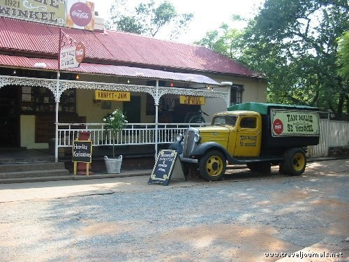 Tant Malie se winkel - Hartebeespoort.  Go to www.leka-escapes.... for more things to see, do and experience in Southern Africa!