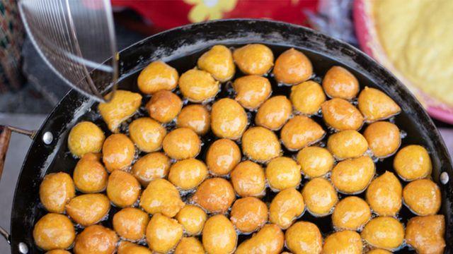 طريقه عمل لقيمات سهله وسريعه Recipe Food Arabic Food Vegetables