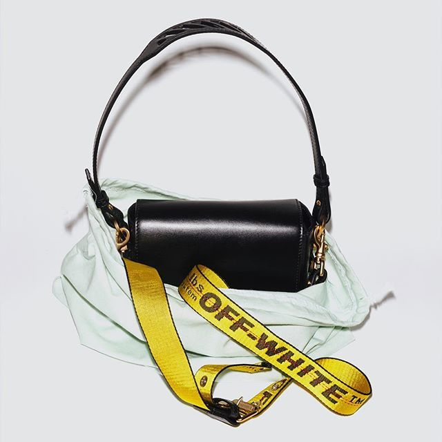 "Off-White™ ""binder clip"" handbag re-launch after initial sell thru available December 21st at all Off-White™ flagship stores in Hong Kong, Singapore, Tokyo, Off-White™ ""webstore"", Antonioli Milano, Barneys New York, Harvey Nichols, Hirshleifers, K20 Moscow, I.T Shanghai & Hong Kong Selfridges London, Ssense, Luisaviaroma, Mytheresa Boon the Shop Seoul, Antonia Milano, Excelsior Milano, and Net-a-Porter"