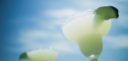 Como fazer uma margarita de limonada sem álcool | eHow Brasil