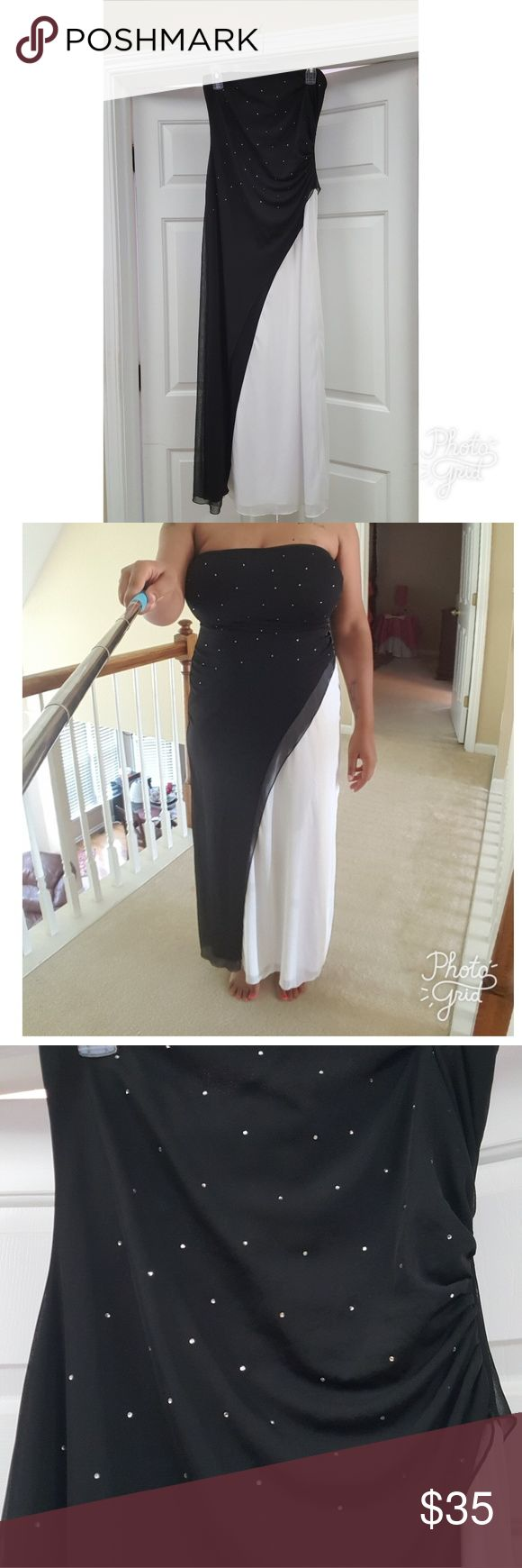 "Black and white gown Worn once. Smoke and pet free home. Perfect for wedding, dance, or any kind of special occasion. Size is 11/12. Length is 50"", bust 30"", waist is 36"". Dress has great stretch around bust and waist area. 100% polyester. B. Smart Dresses"