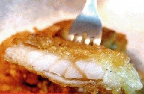 Вкуснейшая рыбка в хрустящем кляре-- Крахмал - 100 г. Минеральная вода - 100 г. Мука - 3 ст. л. Яйца - 2 шт. Сода - 0.5 ч.л.