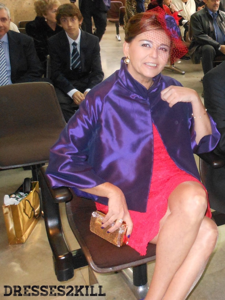 Chaqueta Testiga - chaqueta purpura boda saten italiano  www.dresses2kill.com  Tocado - Oju Illa: http://www.ojuilla.es/