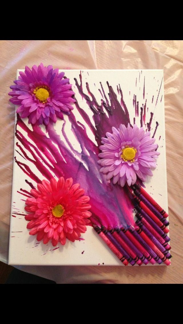 How to Make a Melted Crayon Canvas  Do not like the flowers but I like how the crayons are set up