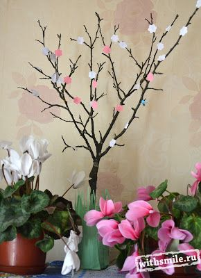 Деревья в цвету. Детская поделка. Цветущее пасхальное дерево. Trees in bloom. Kids crafts. Blooming Easter tree.