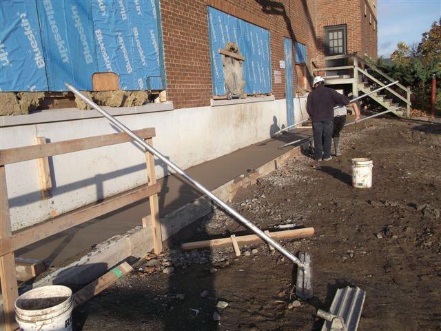 Été 2012 - Travaux faits sur la structure de la paroi extérieure est du bâtiment 94
