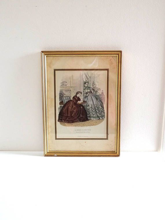 French Vintage Romantic Fashion Engraving in Golden Frame