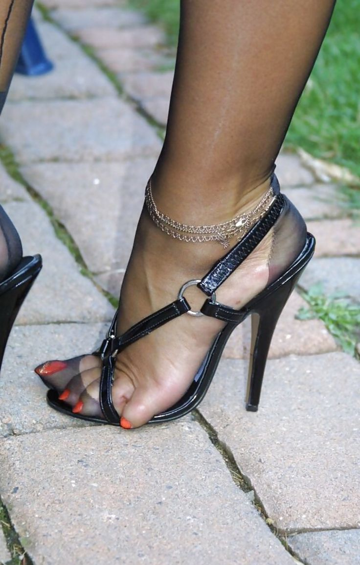 Pin by Daddios on talon et bas | Nylons heels, Stockings