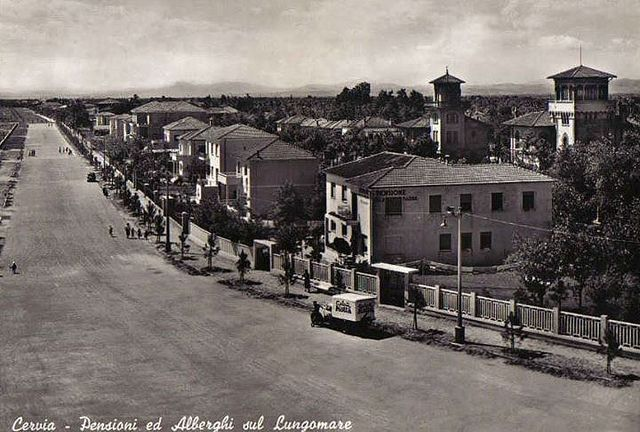 Lungomare di Cervia - Foto di Cervia e Milano Marittima | Come eravamo: viaggio tra le foto d'epoca delle nostre città