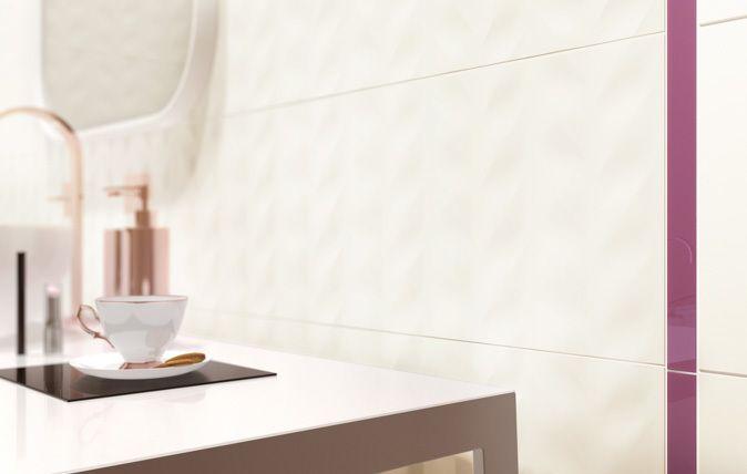 Jasna tonacja i delikatne struktury cechujące płytki Elia przywołują wspomnienie świeżości wiosennego poranka. Kolekcja zyska aprobatę osób mających świadomość bieżących trendów, a jednocześnie ceniących harmonię, prostotę i komfort domowego zacisza. Matowe płytki ścienne dostępne są w neutralnej wersji Bianco, a także stonowanych, ciepłych odcieniach Crema i Brown, które odwzorowują naturalny rysunek drewna.