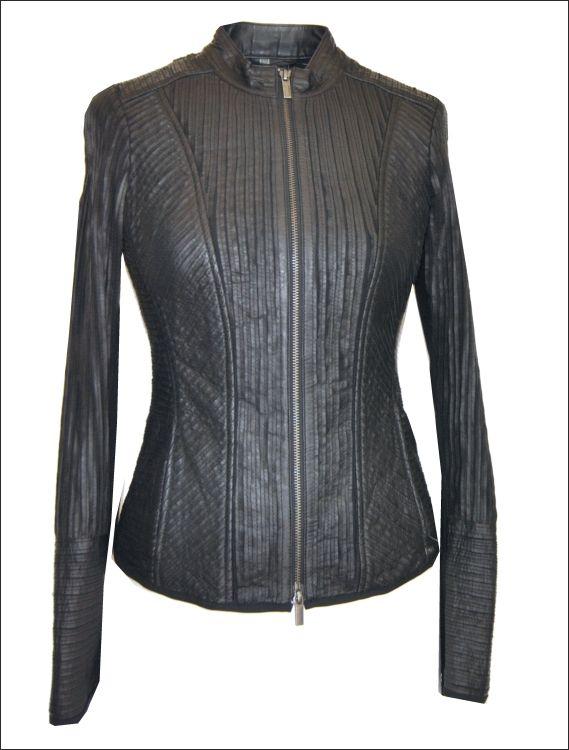 Γυναικείο δερμάτινο ελαστικό σακάκι με strech εφαρμογή Μοντέλο: BELLA Δέρμα: black nappa strech Τιμή: 420€