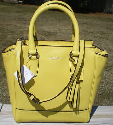 Cheap Coach HandBags Outlet wholesale . 3 ITEMS TOTAL $109 ONLY. CoachFromAbove