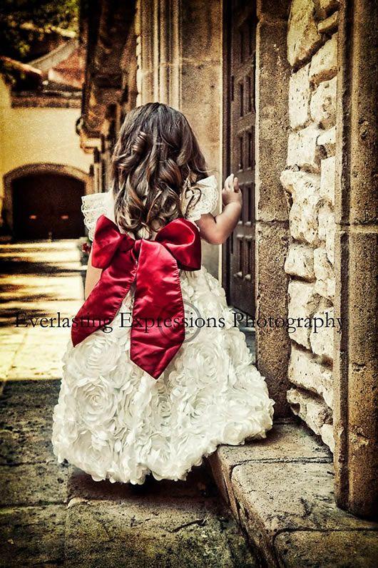 ベビーラグジュアリードレス ■1週間レンタル■3-4才ホワイトサテンローズとレッドリボンドレス「Promise」